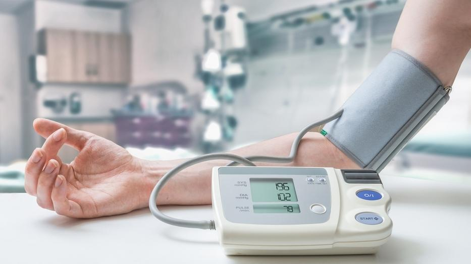 hogyan kell kezelni a magas vérnyomás támadását)