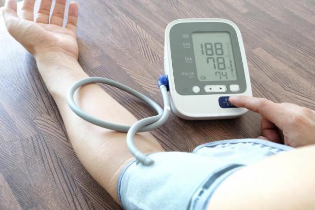 járás és magas vérnyomás