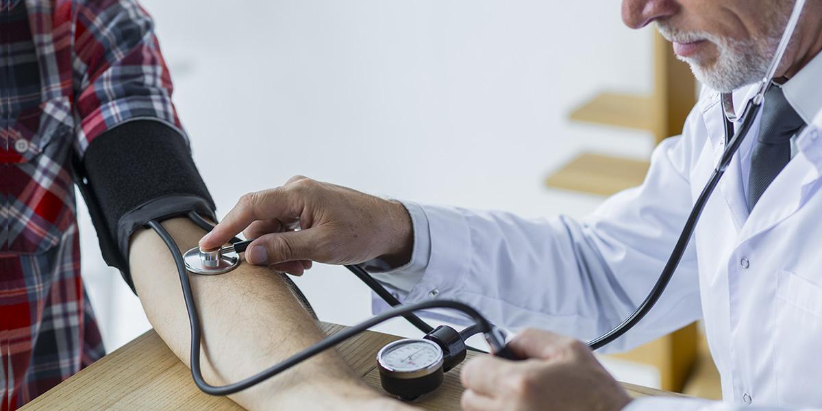 magas vérnyomás kezelése gyógynövényekkel)