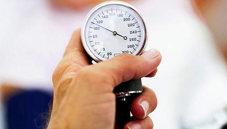 állapítsa meg a magas vérnyomás okát)
