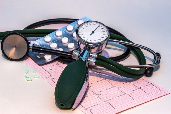 Hetek Közéleti Hetilap - Az ima csökkenti a vérnyomást