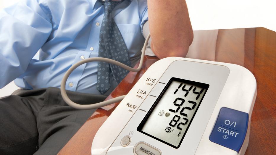 hogyan kell kezelni a magas vérnyomást külföldön)
