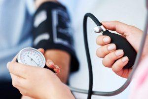 mit igyon mérsékelt magas vérnyomás esetén
