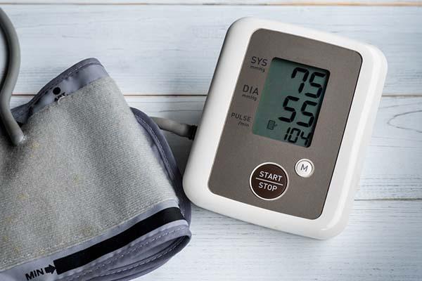 Ezek az alacsony vérnyomás figyelmeztető tünetei