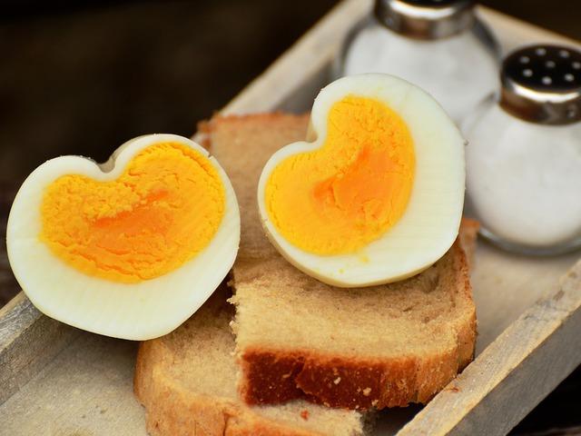 A tojásfehérje segíthet a vérnyomás csökkentésében