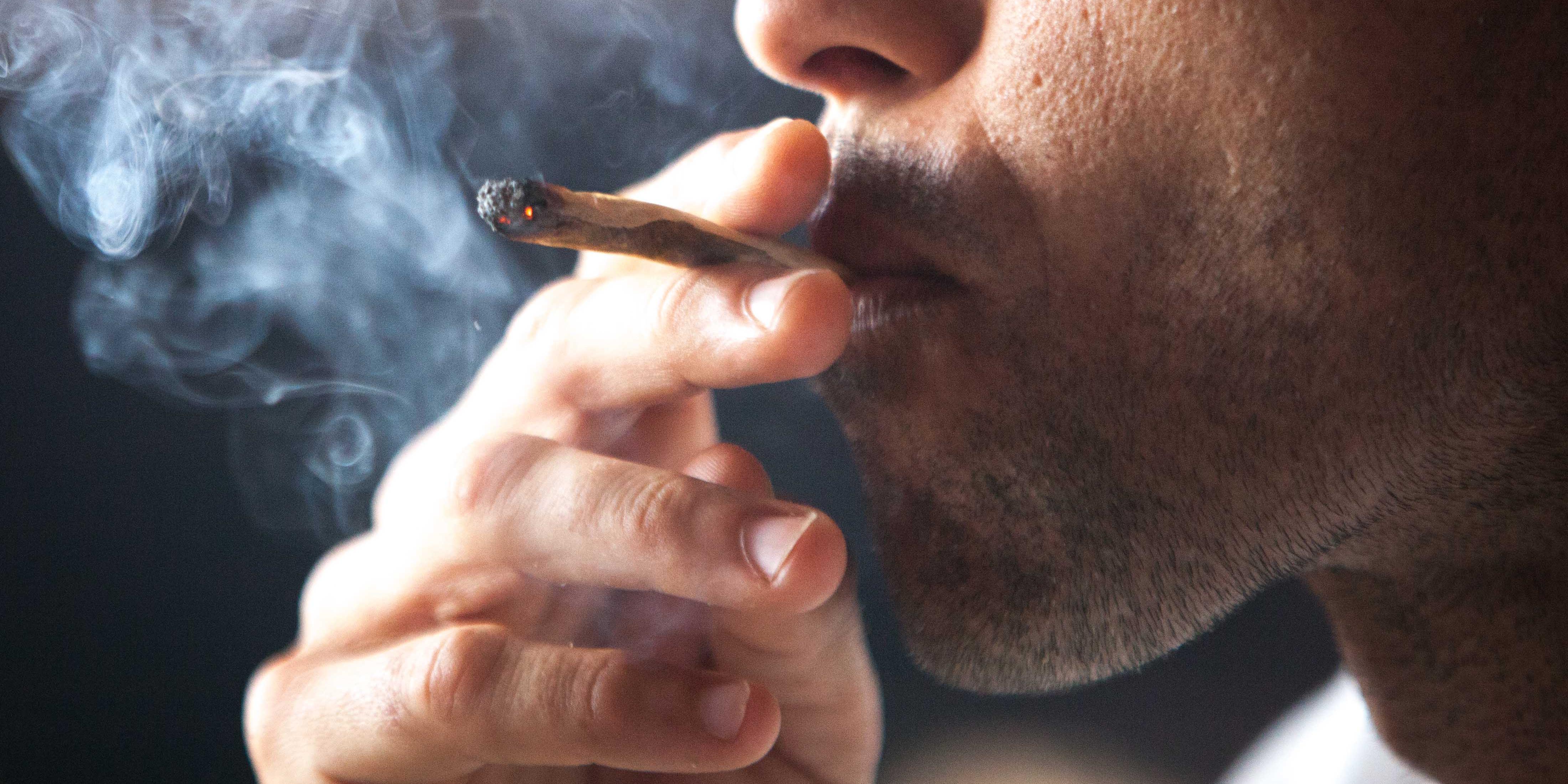 magas vérnyomás marihuánát dohányozni reggeli gyakorlatok magas vérnyomás ellen
