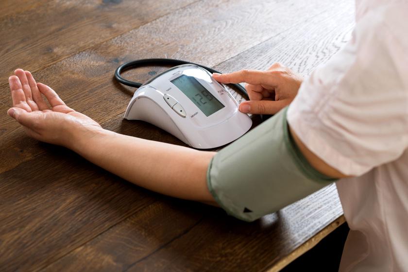 magas vérnyomás 160-100