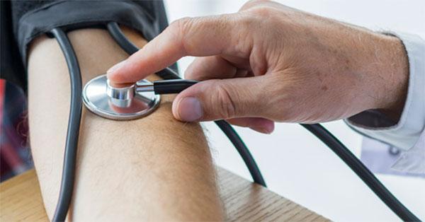magas vérnyomás és az időjárás hatása)