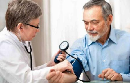 kiegészítő veseartéria és magas vérnyomás magas vérnyomás és iszapkezelés