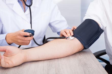 rehabilitációs intézkedések magas vérnyomás esetén