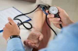 fiatal korban magas vérnyomást okoz