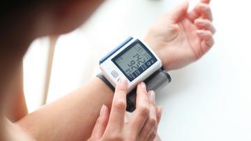 első fokú magas vérnyomás második kockázat)