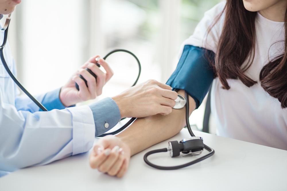 Fogyatékosságot szenved magas vérnyomás esetén