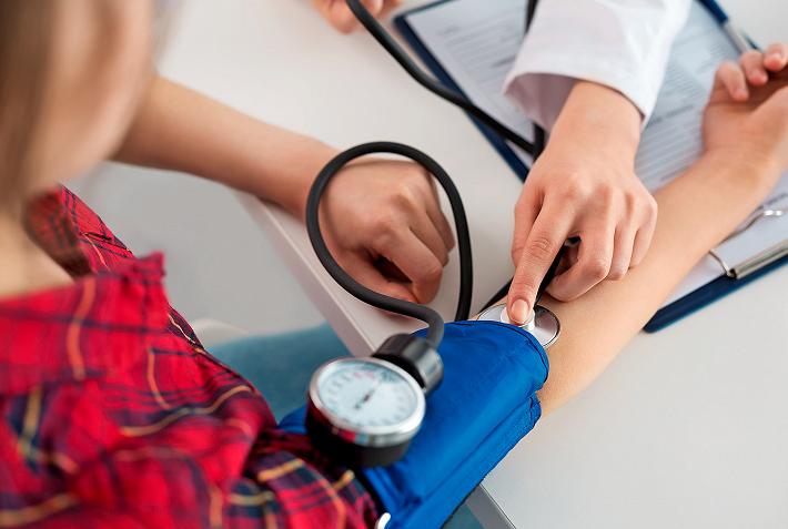 gyógynövényes gyógyszerek és a magas vérnyomás kezelése cédrus hordó magas vérnyomás ellen