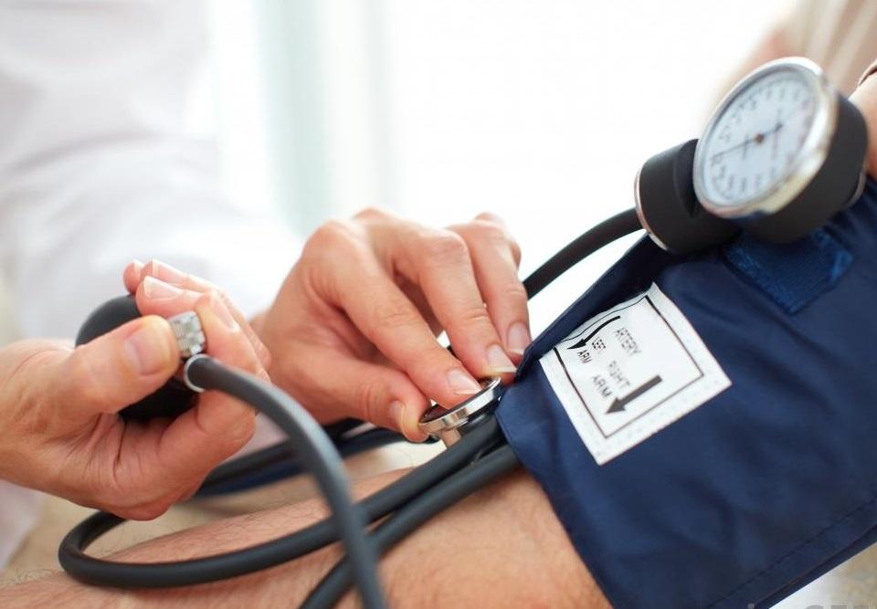 a magas vérnyomás átmenete hipotenzióvá