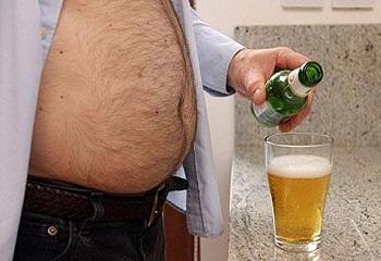 az elhízás valószínűsége magas vérnyomás esetén)