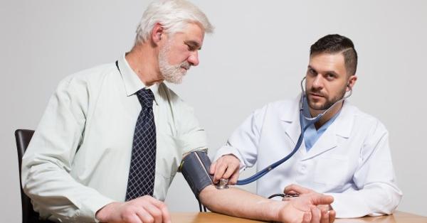 Ezért kell elmenni vizelni a vérnyomás mérése előtt